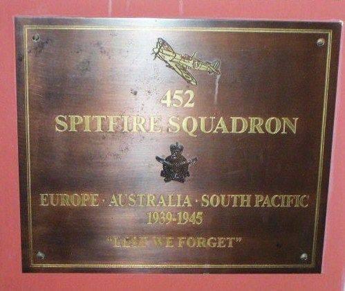 452 Spitfire Squadron Paque