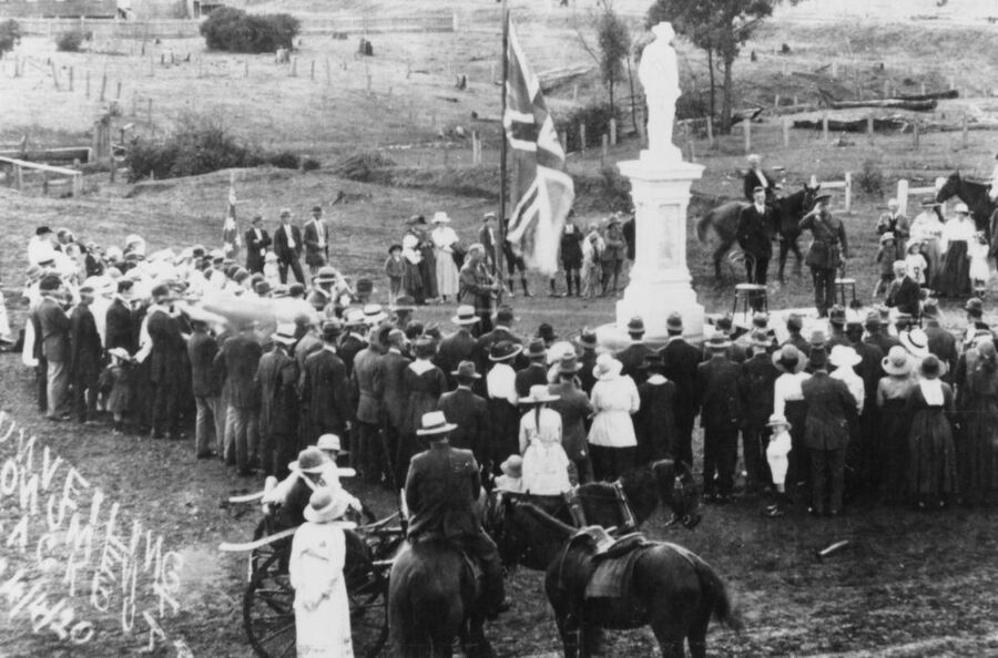 24-April-1920 : Unveiling (State Library of Queensland)