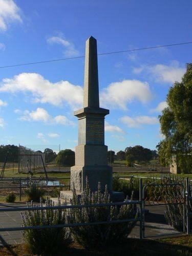 Bowenvale War Memorial : 22-July-2012