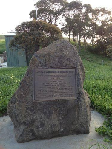 Geelong Reticulated Water Centenary Plaque : 25-09-2013