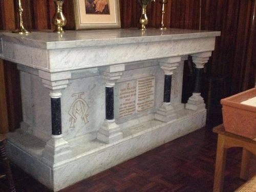 Christ Church Altar 4 : November 2013