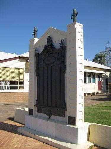 Gayndah War Memorial 01-10-2009