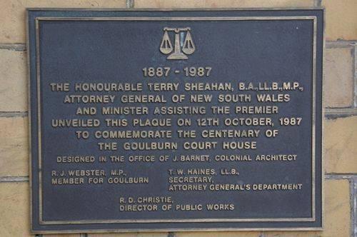 Court House centenary Plaque : June 2014