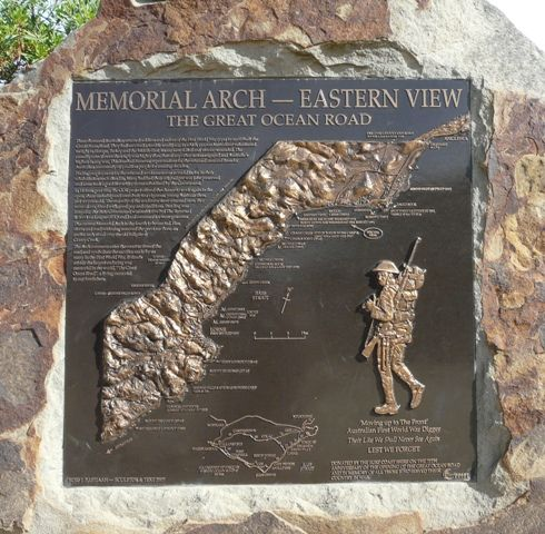 Great Ocean Road Memorial Arch : 23-April-2012