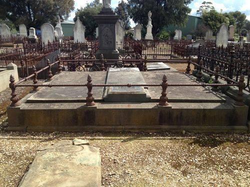 James Harrison Grave : 20-09-2013