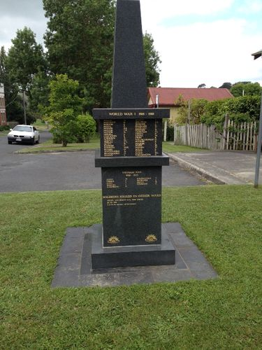Loch War Memorial 5 : March 2014