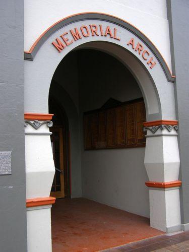 Memorial Arch : 16-August-2014