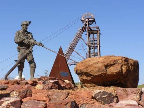 Miner's Statue : 10-09-2011