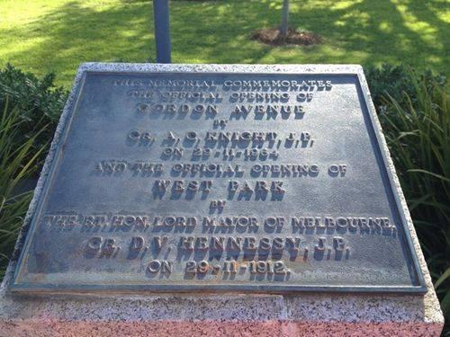West Park & Gordon Avenue Memorial Inscription : 10-09-2013