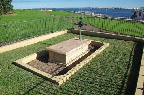 Receveur Tomb : March 2014