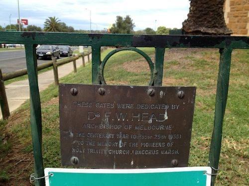 Pioneer Gates Inscription  : October 2013