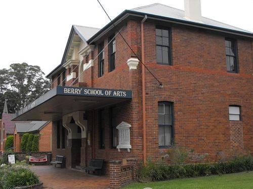 School of Arts Memorial Plaque : 17-January-2011