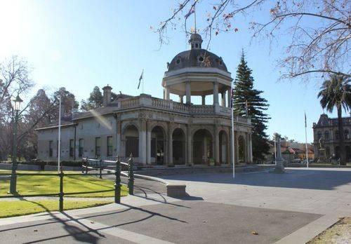 Soldiers Memorial Institute War Memorial : 18-July-2011
