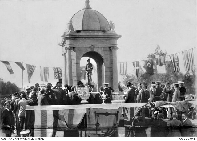 10-January-1910 : Unveiling by Lord Kitchener (Australian War Memorial P00595.045)