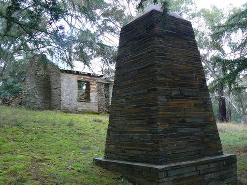 Specimen Gully Gold Memorial : 28-May-2011