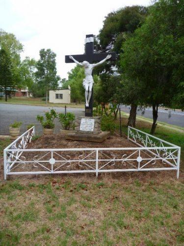 St James Parish Cross : 13-February-2011