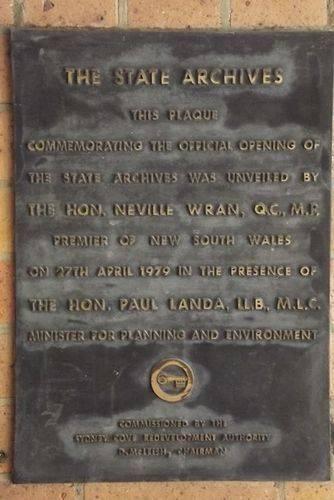 Stae Archives Plaque : December 2013