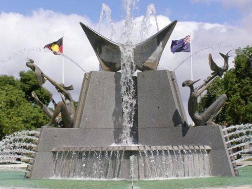 Victoria Square Fountain : 01-10-2011