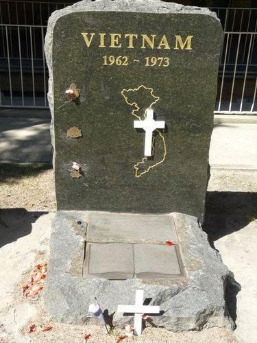 Vietnam Memorial : 8-March-2012