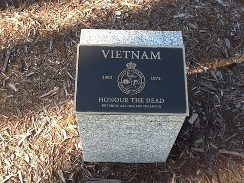 Vietnam Plaque : November 2013