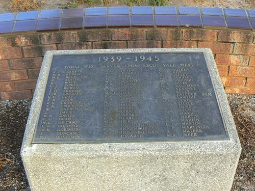World War Two Memorial - 01-May-2012