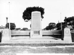1920s : (Australian War Memorial H17861)