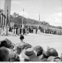 1954 : Unveiling by Queen Elizabeth II (Australian War Memorial P03011.005)