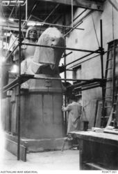 1932 : George Raynor Hoff Studio (Australian War Memorial P03477.001)