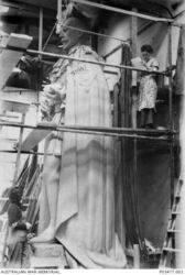 1932 : George Raynor Hoff Studio (Australian War Memorial P03477.002)
