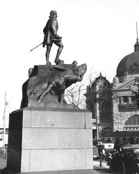 State Library of Victoria : H92.342 / 351