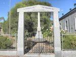 War Memorial +Arch: April 2014