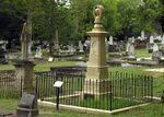 Hill Family Grave -Noel Hall-02-November-2008