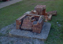 Original monument damaged by truck accident : 28-April-2015